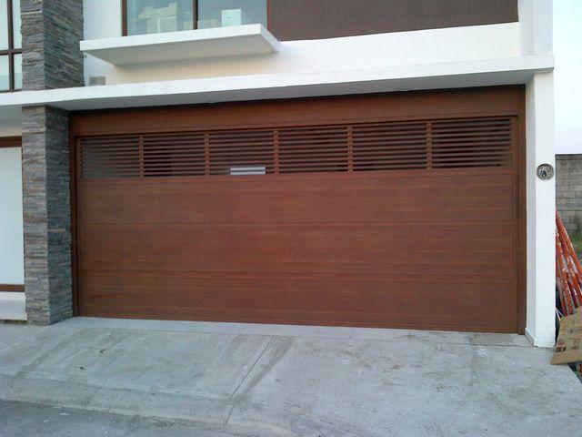Porton en aluminio imitacion madera aluminio roga - Imitacion madera para fachadas ...