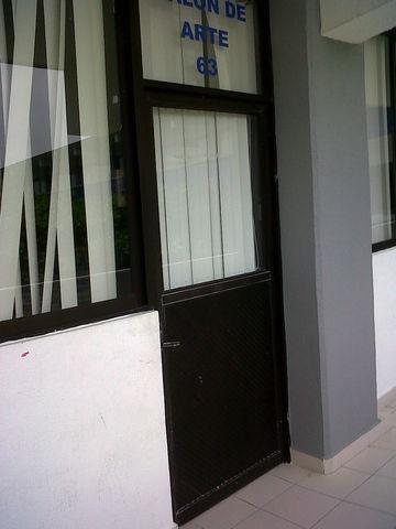 Puertas para aulas escolares aluminio roga - Cristales para puertas de salon ...